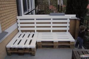 paletový nábytek můžete použít i venku