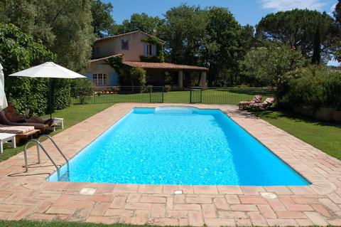Nov baz n hotov nebo na m ru bydlen for Garden pools uk