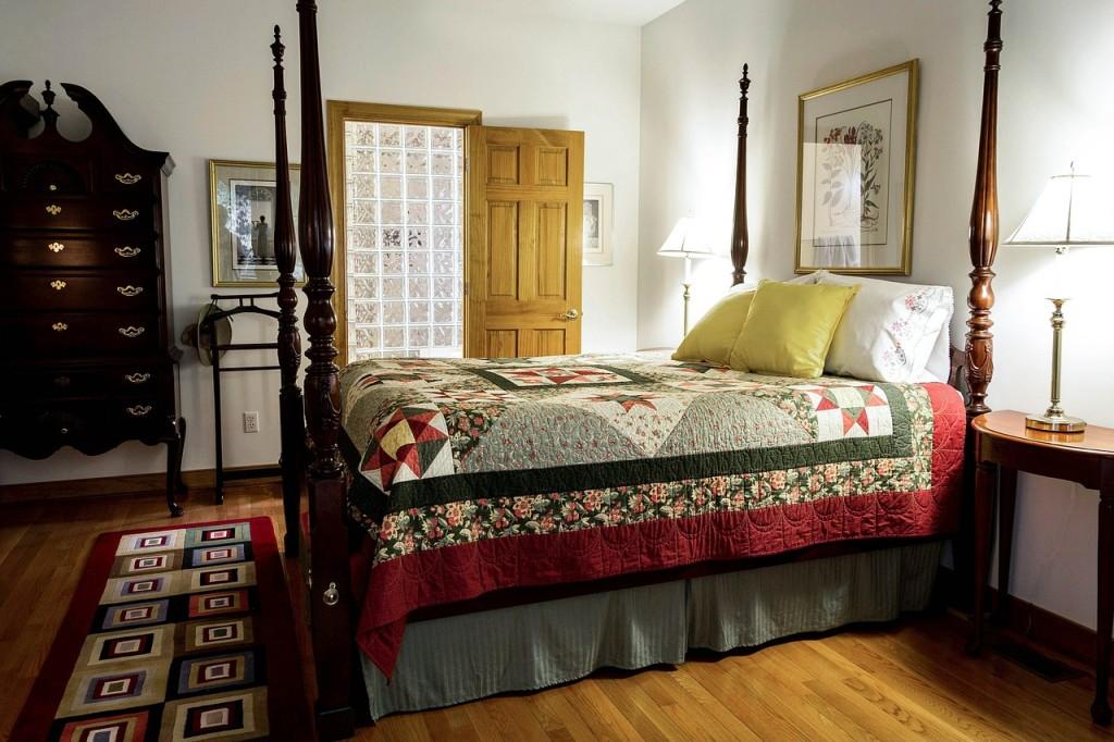 bedroom-558987_1280