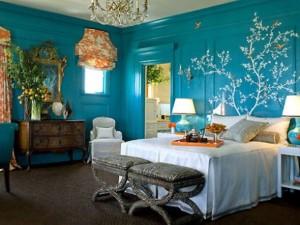 Zelenomodrá barva v interiéru