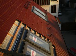 Kvalitní střecha je základem ke spokojenému bydlení /